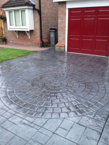 Driveway resealed in Altrincham